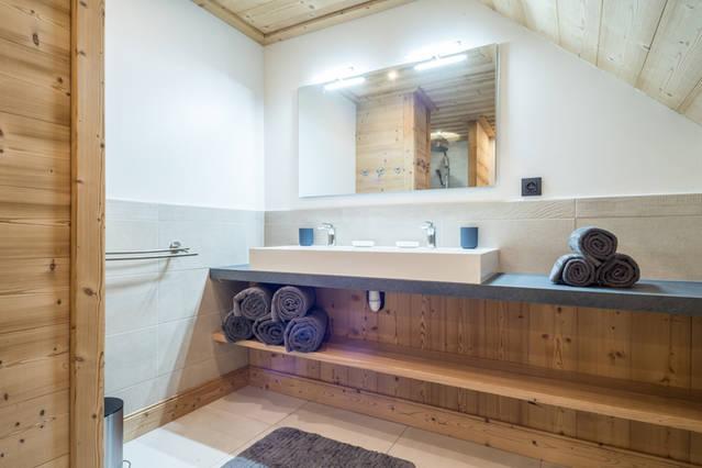 Salle de bain 1er étage 1